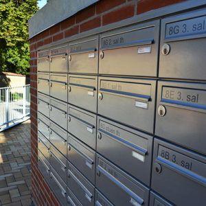 planforsænket postkasseanlæg
