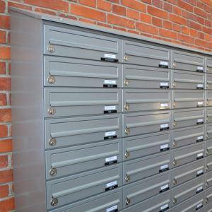 Væghængt postkasse
